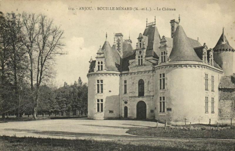 Carte postale ancienne Anjou - Bouille-Menard - Le Chateau à Bouillé-Ménard