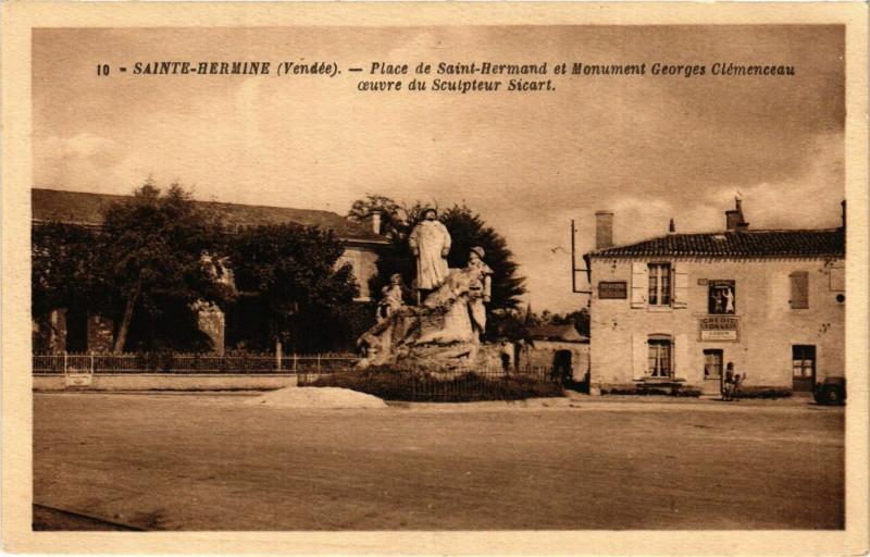 Carte postale ancienne Sainte-Hermine - Place de Saint-Hermand et Monument à Sainte-Hermine