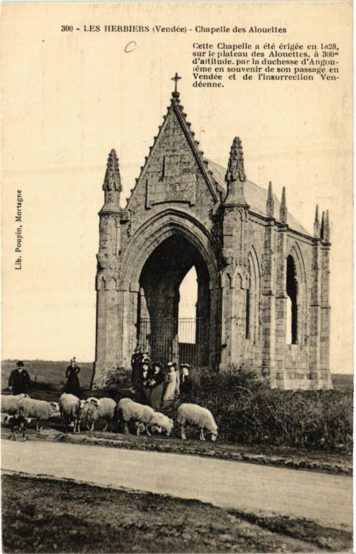 Carte postale ancienne Les Herbiers - Chapelle des Alouettes aux Herbiers