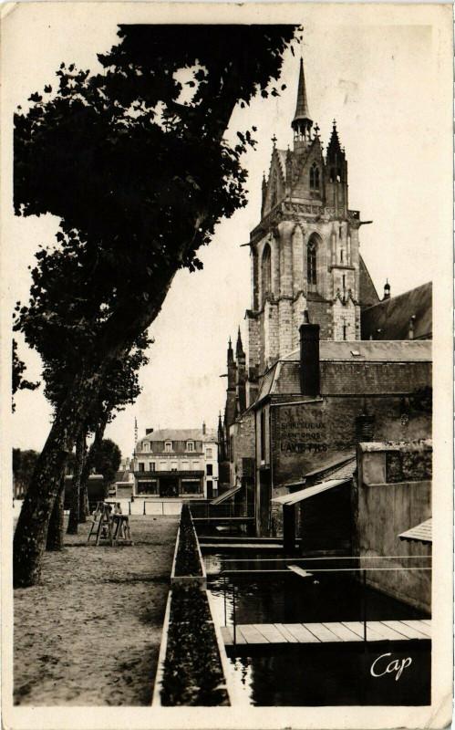 Carte postale ancienne La Ferte-Bernard - Le Mail et les canaux à La Ferté-Bernard