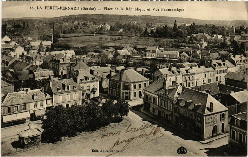Carte postale ancienne La Ferte-Bernard - Place de la République et Vue Panoramique à La Ferté-Bernard