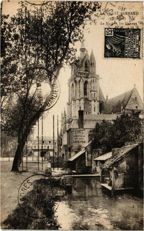 Carte postale ancienne La Ferte-Bernard - Le Mail et les Ganaux à La Ferté-Bernard