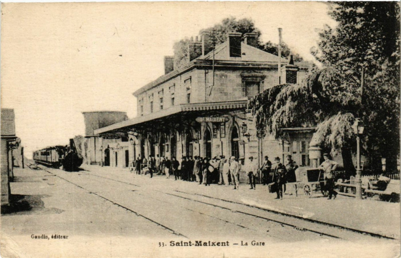 Carte postale ancienne Saint-Maixent - La Gare à Saint-Maixent