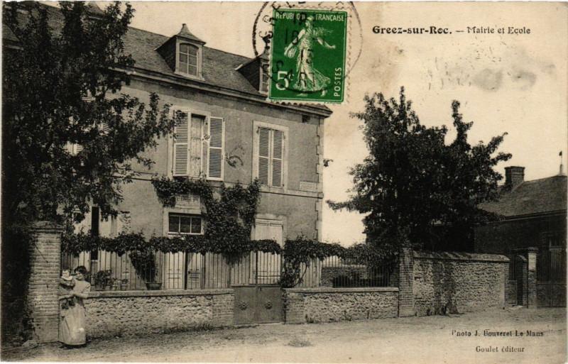 Carte postale ancienne Gréez-sur-Roc - Mairie et Ecole à Gréez-sur-Roc