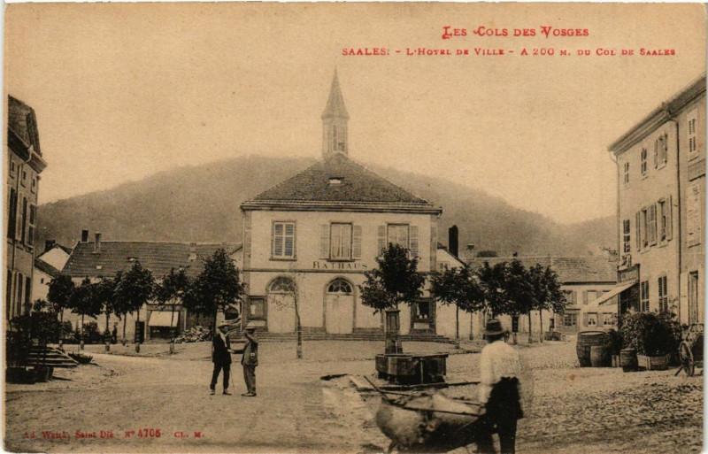 Carte postale ancienne Saales-L'Hotel de Ville à Villé