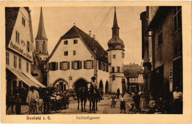 Carte postale ancienne Benfeld-Schlossgasse à Benfeld