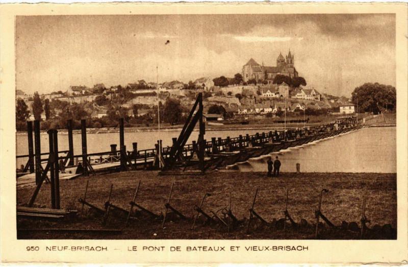 Carte postale ancienne Neuf-Brisach - Le Pont de Bateaux et Vieux-Brisach à Neuf-Brisach