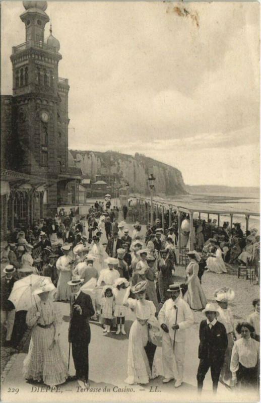 Carte postale ancienne Arques-la-Bataille Vue prise de la Mairie à Arques-la-Bataille