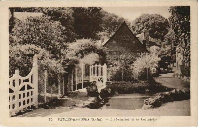 Carte postale ancienne Veules-les-Roses - L'Abrevouir et la Cascatelle à Veules-les-Roses
