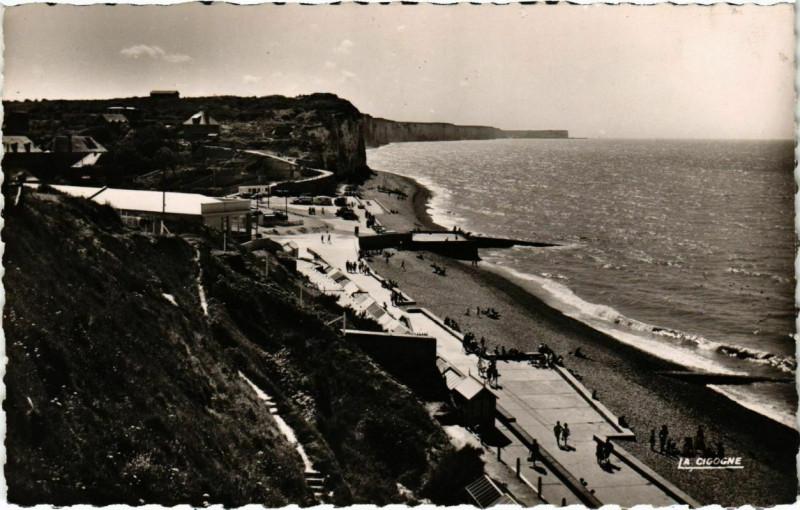 Carte postale ancienne Veules-les-Roses - Vue générale de la plage à Veules-les-Roses