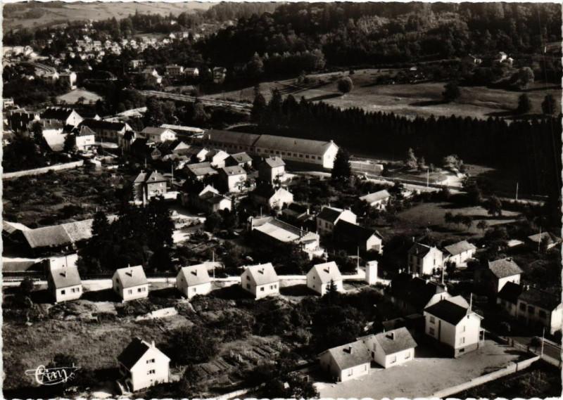 Carte postale ancienne Montmorot Vue générale aerienne à Montmorot