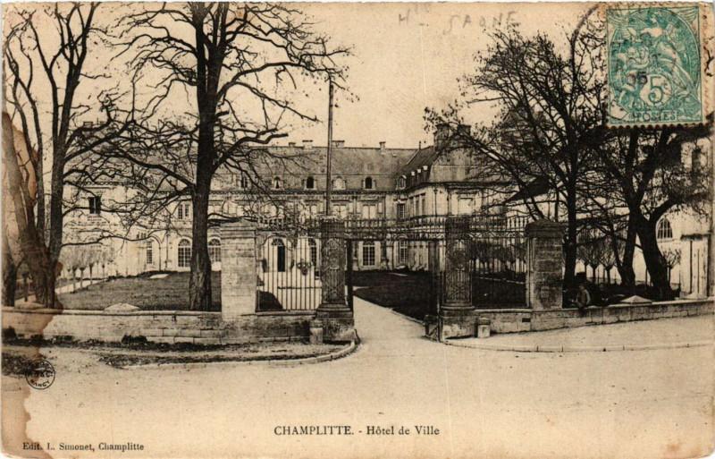 Carte postale ancienne Champlitte - Hotel de Ville à Champlitte