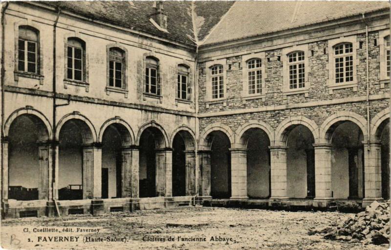 Carte postale ancienne Faverney - Cloitres de l'ancienne Abbaye à Faverney