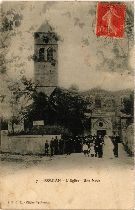 Carte postale ancienne Roujan - L'Eglise Une Noce à Roujan