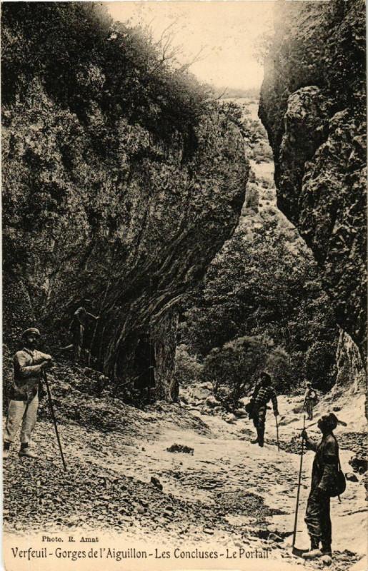 Carte postale ancienne Verfeuil - Gorges l'Aiguillon - Les Concluses - Le Portail à Verfeuil
