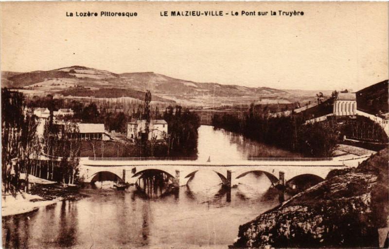 Carte postale ancienne Le Malzieu-Ville - Le Pont sur la Truyere au Malzieu-Ville