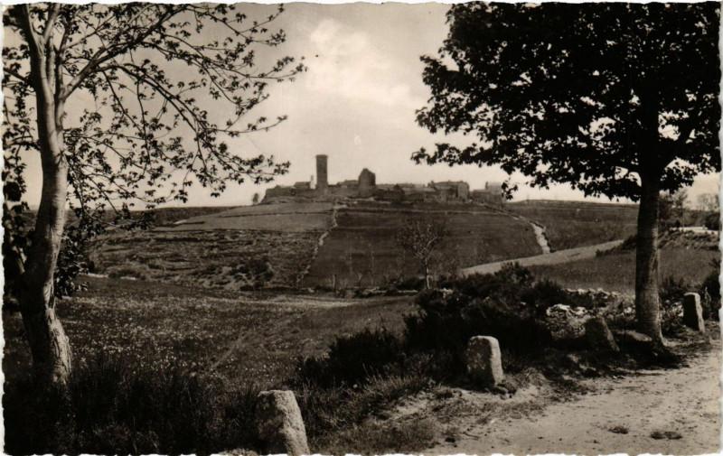 Carte postale ancienne Lozere - Env. de Prevencheres - La Garde Guerin - Village Fortifie à Prévenchères