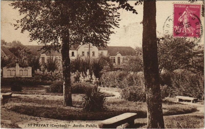 Carte postale ancienne Saint-Privat Jardin public à Saint-Privat
