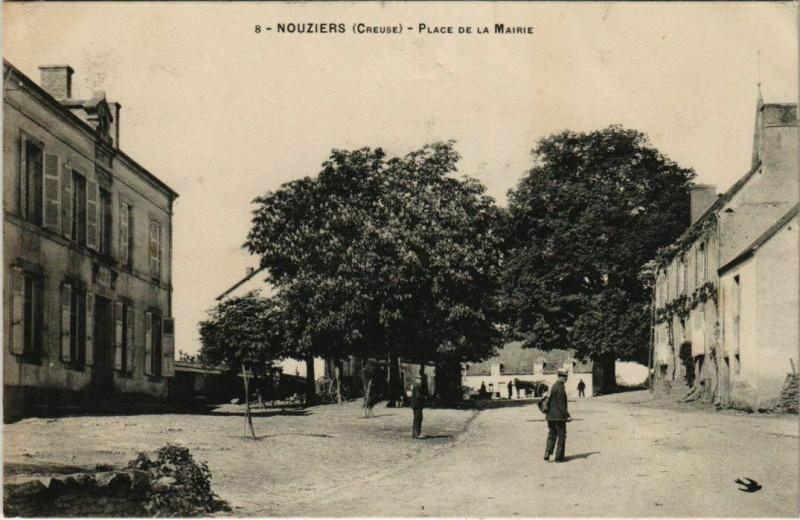 Carte postale ancienne Nouziers Place de la Mairie France à Nouziers
