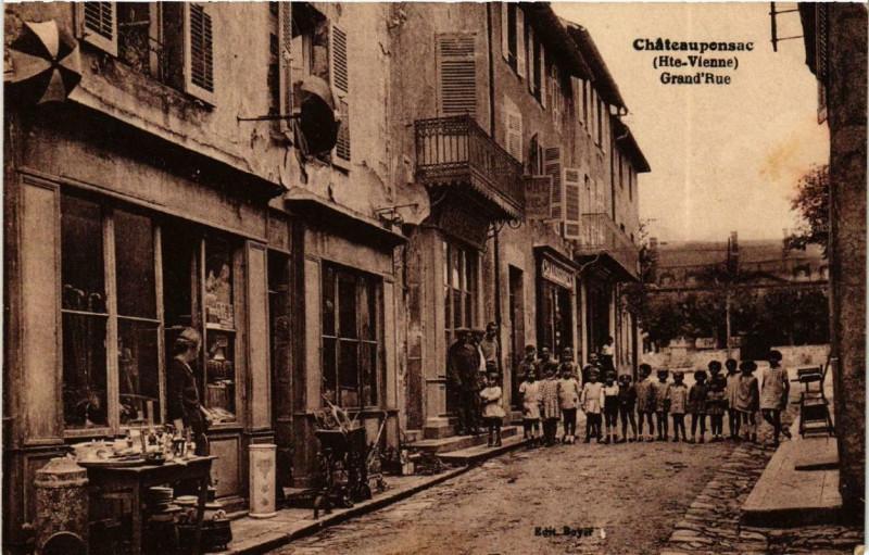 Carte postale ancienne Chateauponsac Grand'Rue à Châteauponsac