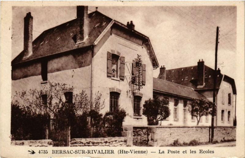 Carte postale ancienne Bersac-sur-Rivalier (Hte-Vienne) - La Poste et les Ecoles à Bersac-sur-Rivalier