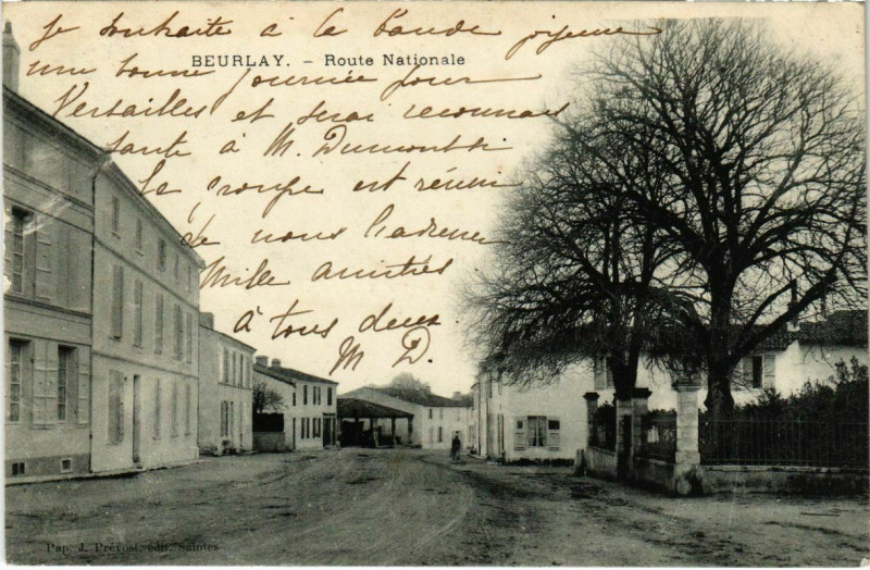 Carte postale ancienne Beurlay - Route Nationale à Beurlay