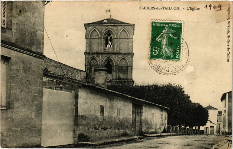 Carte postale ancienne Saint-Ciers-du-Taillon - L'Eglise à Saint-Ciers-du-Taillon