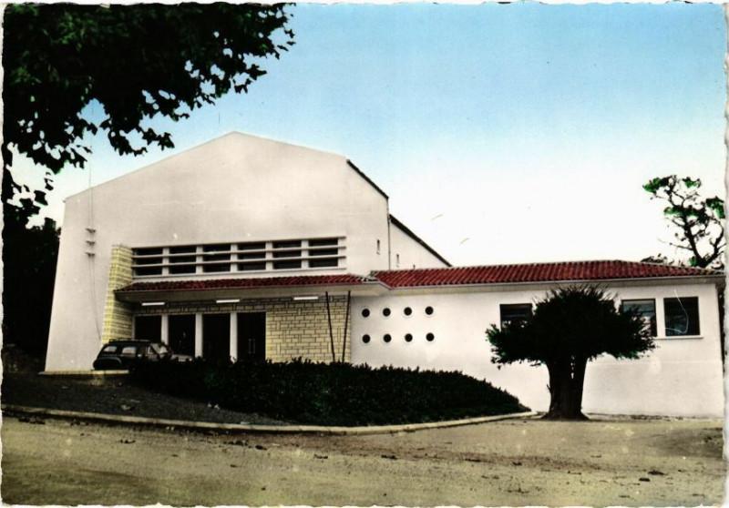 Carte postale ancienne Montguyon -La Salle des Fétes à Montguyon