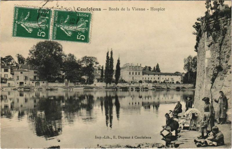 Carte postale ancienne Confolens Bords de la Viene,Hospice France à Confolens