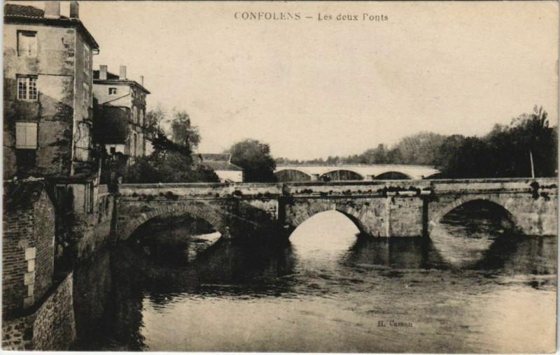 Carte postale ancienne Confolens Les deux Ponts France à Confolens