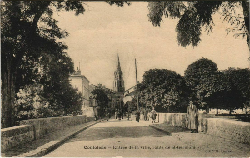 Carte postale ancienne Confolens Entree de la ville France à Confolens