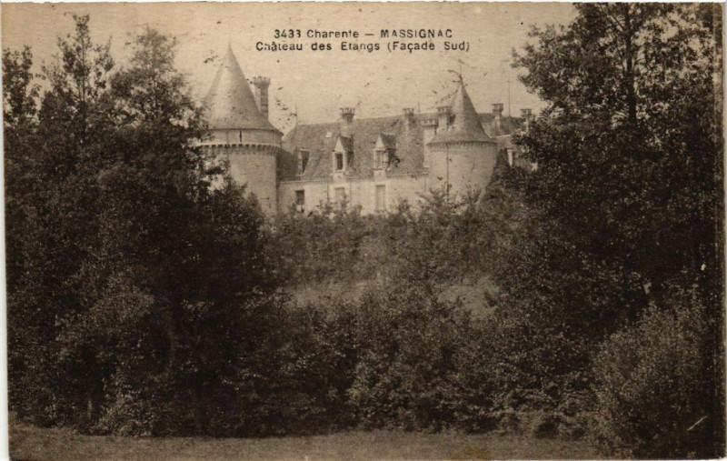 Carte postale ancienne Charente - Massignac - Chateau des Etangs (Facade Sud) à Massignac