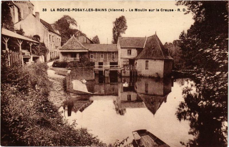 Carte postale ancienne La Roche-Posay-les-Bains Le Moulin sur la Creuse à La Roche-Posay