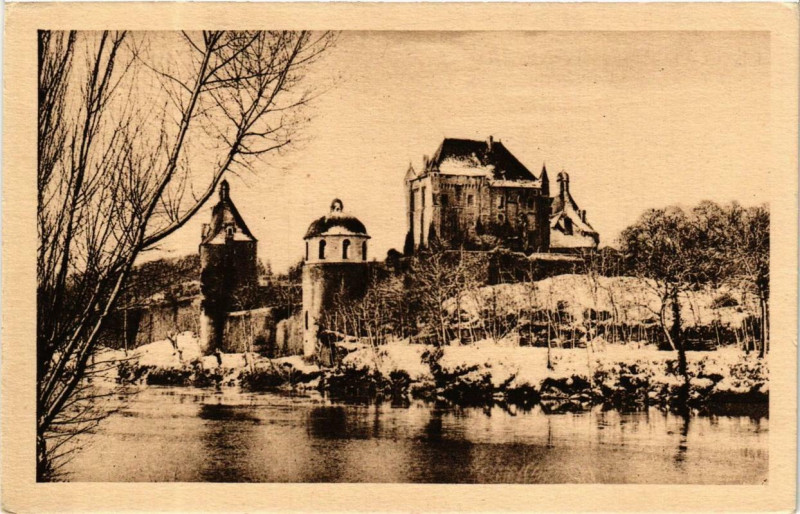 Carte postale ancienne Bonnes Le Chateau de Touffou sous la Neige à Bonnes