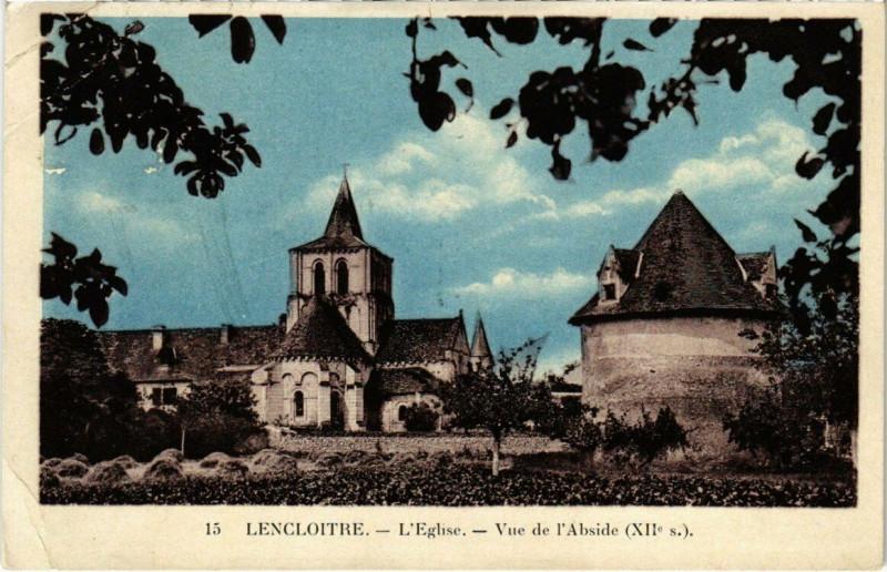 Carte postale ancienne Lencloitre - L'Eglise - Vue de l'Abside à Lencloître