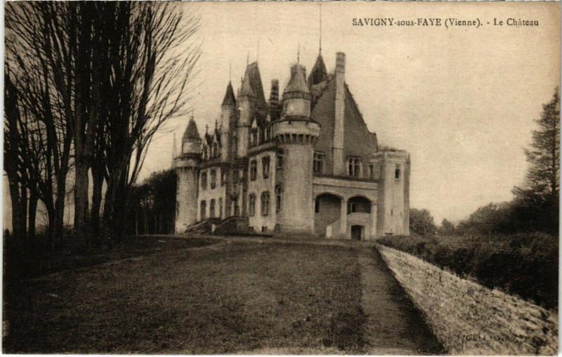 Carte postale ancienne Savigny-sous-Faye - Le Chateau à Savigny-sous-Faye