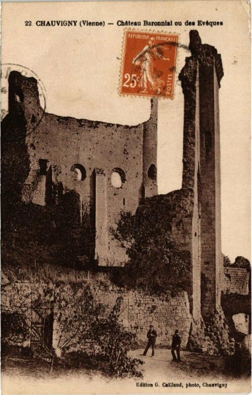 Carte postale ancienne Chauvigny - Chateau Baronnial ou des Evéques à Chauvigny