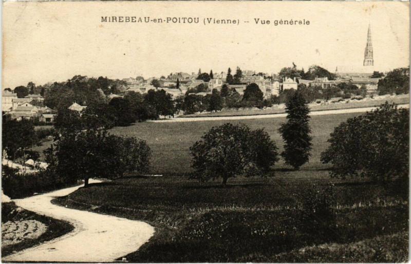 Carte postale ancienne Mirebeau en Poitou - Vue générale à Mirebeau