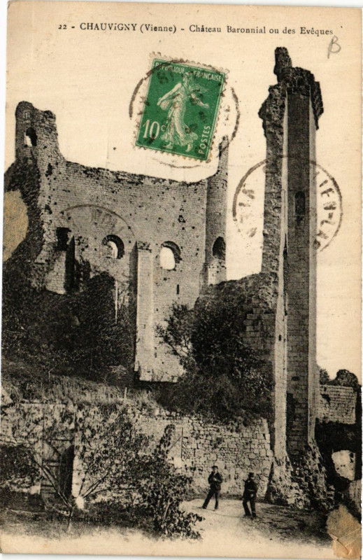 Carte postale ancienne Chauvigny - Chateau Baronnial ou des Eveques à Chauvigny