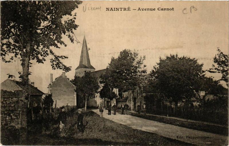 Carte postale ancienne Naintre - Avenue Carnot à Naintré