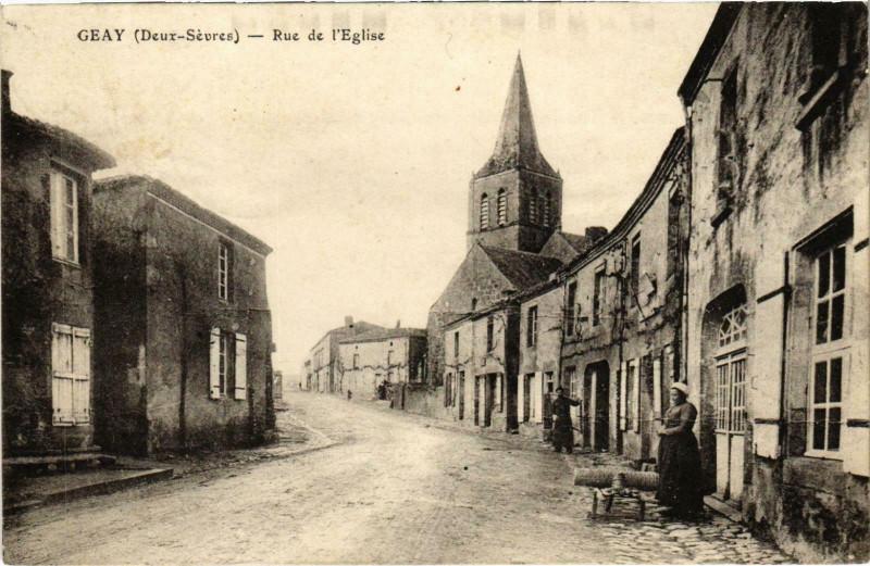 Carte postale ancienne Geay - Rue de l'Eglise à Geay