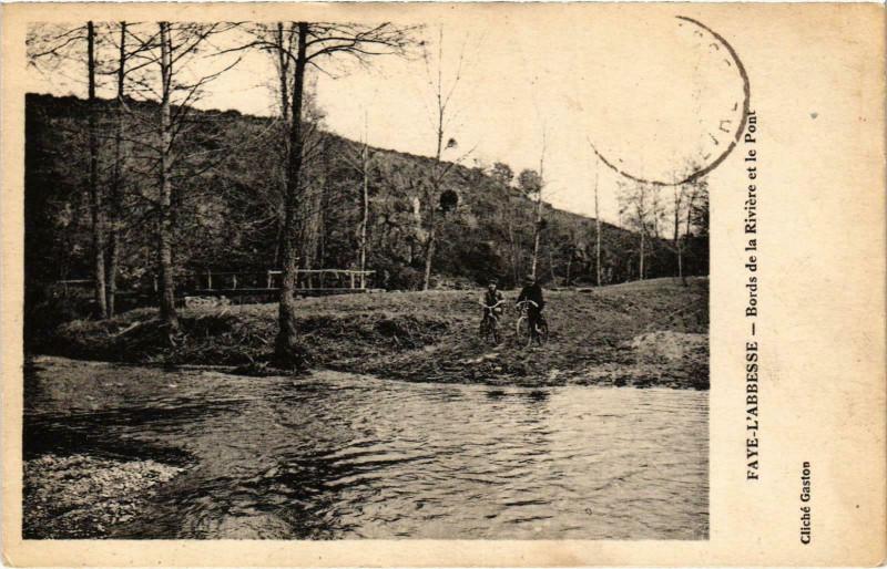 Carte postale ancienne Faye l'Abbesse - Bords de la Riviere à Faye-l'Abbesse