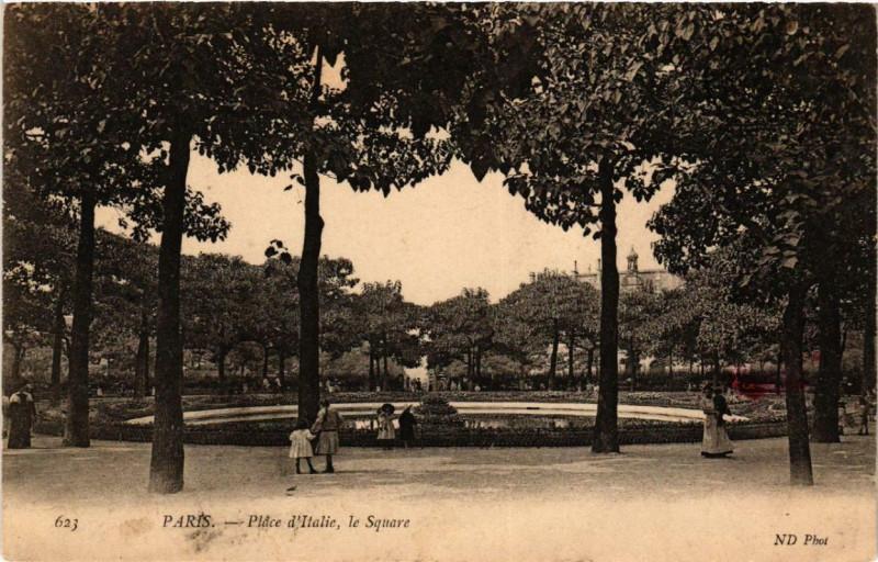 Carte postale ancienne Place d'Italie, le Square à Paris 13e