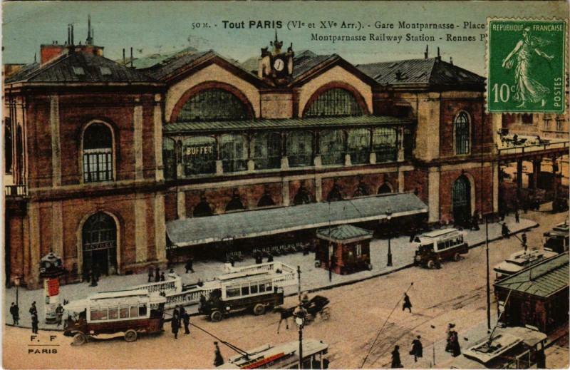 Carte postale ancienne Gare Montparnasse - Place de Rennes à Paris 14e