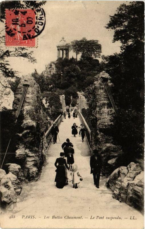 Carte postale ancienne Les Buttes Chaumont - Le Pont suspendu à Paris 19e