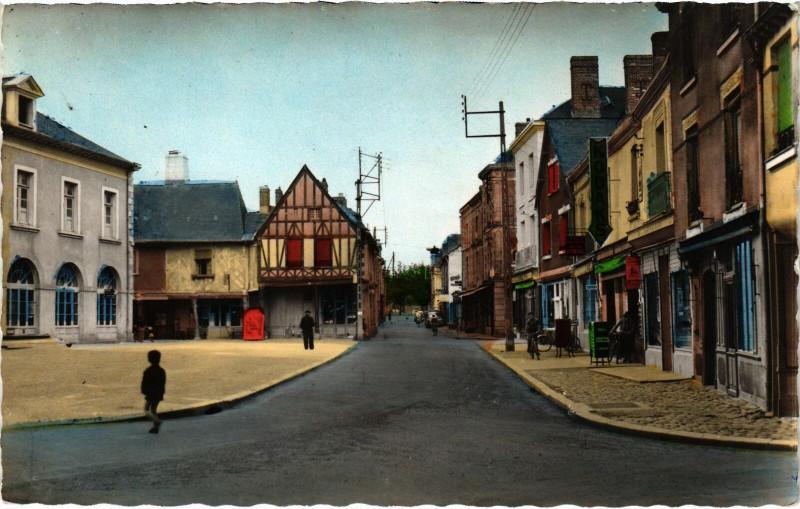 Carte postale ancienne La Guerche-de-Bretagne - Rue Notre-Dame à La Guerche-de-Bretagne