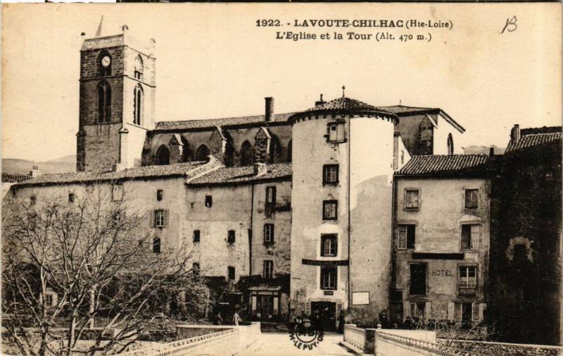 Carte postale ancienne Lavoute-Chilhac - L'Eglise et la Tour à Lavoûte-Chilhac