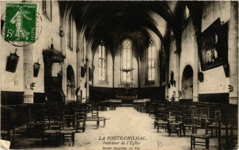 Carte postale ancienne Lavoute-Chilhac - Interieur de l'Eglise à Lavoûte-Chilhac
