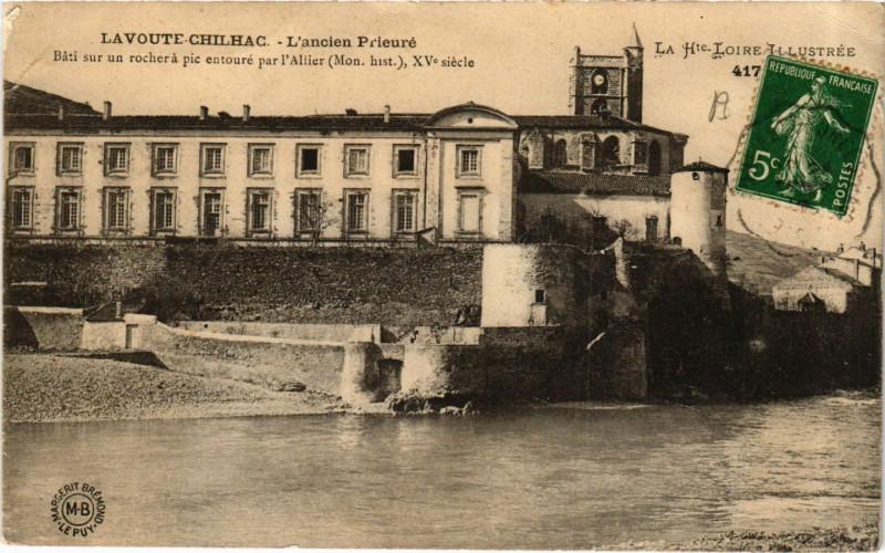 Carte postale ancienne Lavoute-Chilhac - L'ancien Prieuré à Lavoûte-Chilhac