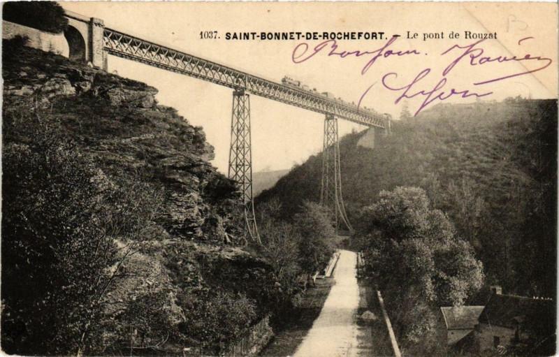 Carte postale ancienne Saint-Bonnet-de-Rochefort Le pont de Rouzat à Saint-Bonnet-de-Rochefort